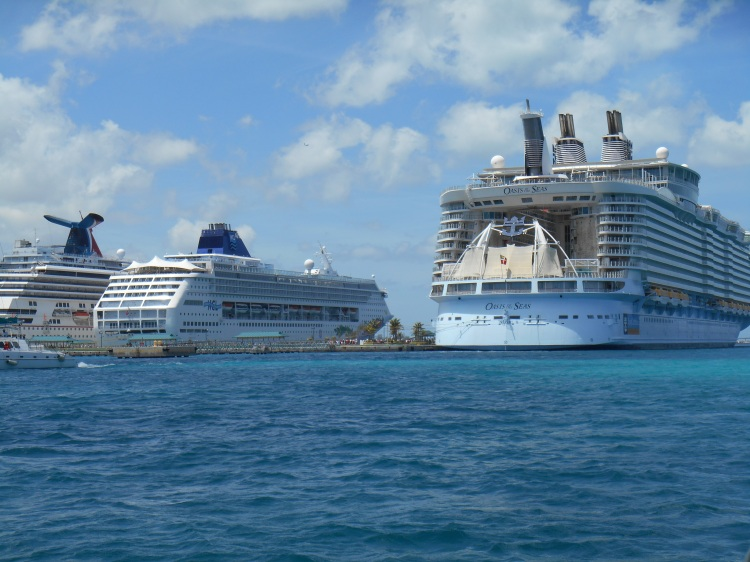 Oasis of the Seas - the biggest cruise ship in the world (to date)
